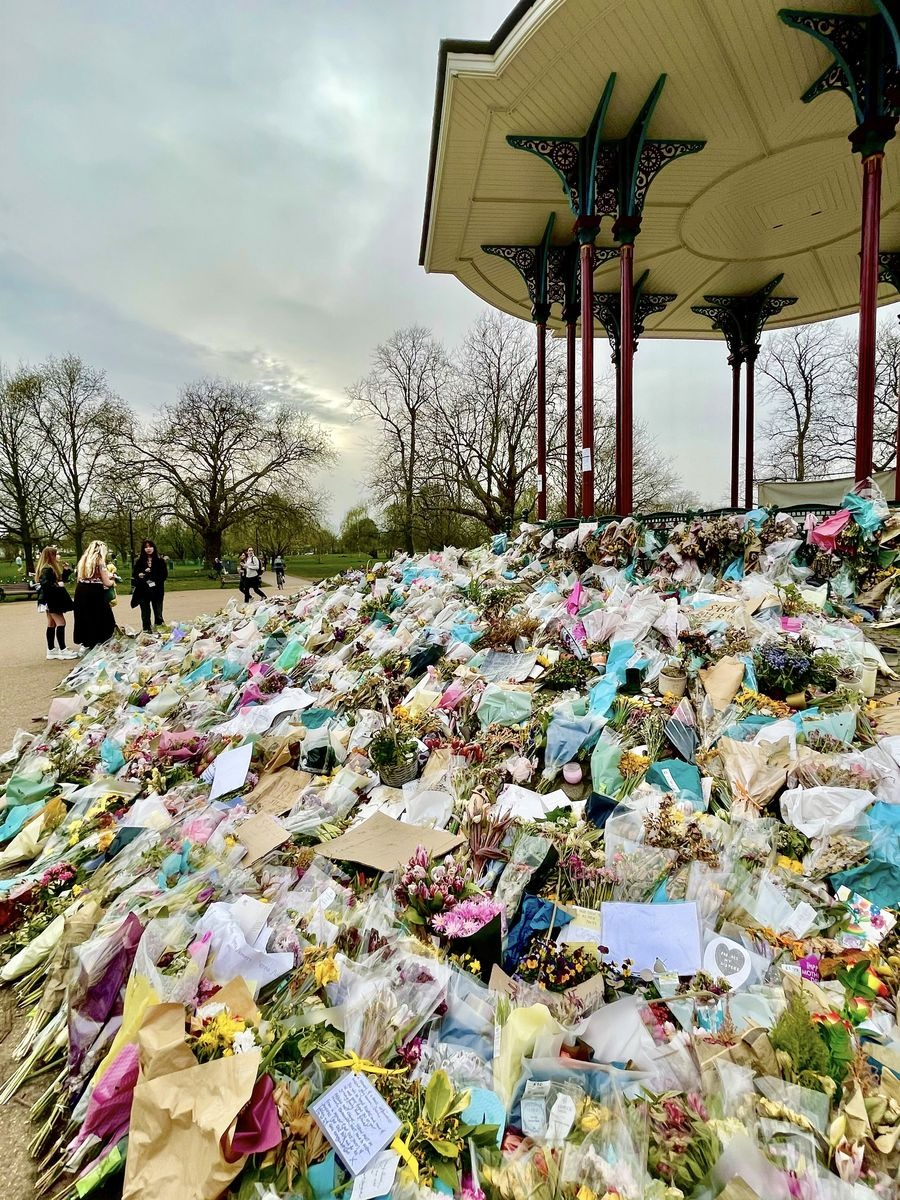 Last day, Wednesday 31 March — Sarah's memorial will be dismantled tomorrow