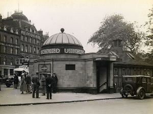 Clapham Common Station 1934